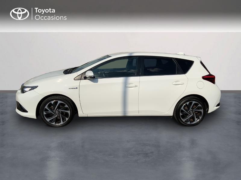 Toyota Auris HSD 136h Design RC18 Blanc occasion à Pluneret - photo n°3