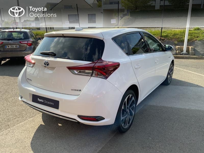 Toyota Auris HSD 136h Design RC18 Blanc occasion à Pluneret - photo n°18
