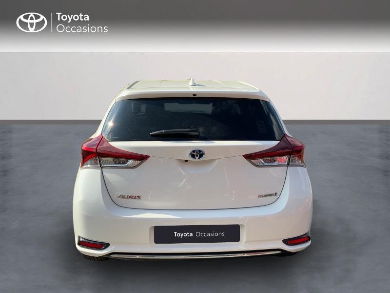 Toyota Auris HSD 136h Design RC18 Blanc occasion à Pluneret - photo n°4
