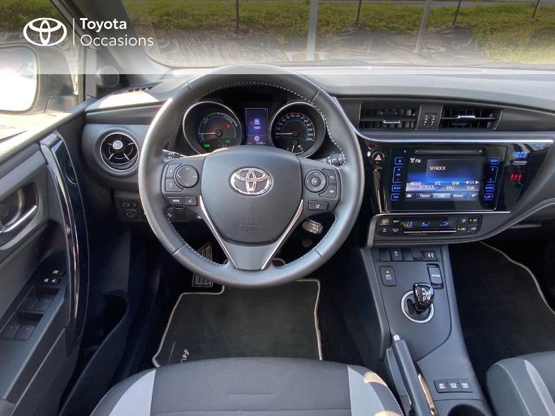 Toyota Auris HSD 136h Design RC18 Blanc occasion à Pluneret - photo n°9
