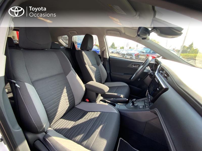 Toyota Auris HSD 136h Design RC18 Blanc occasion à Pluneret - photo n°6