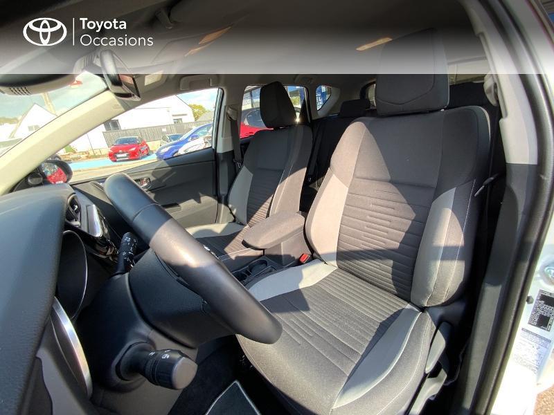 Toyota Auris HSD 136h Design RC18 Blanc occasion à Pluneret - photo n°11