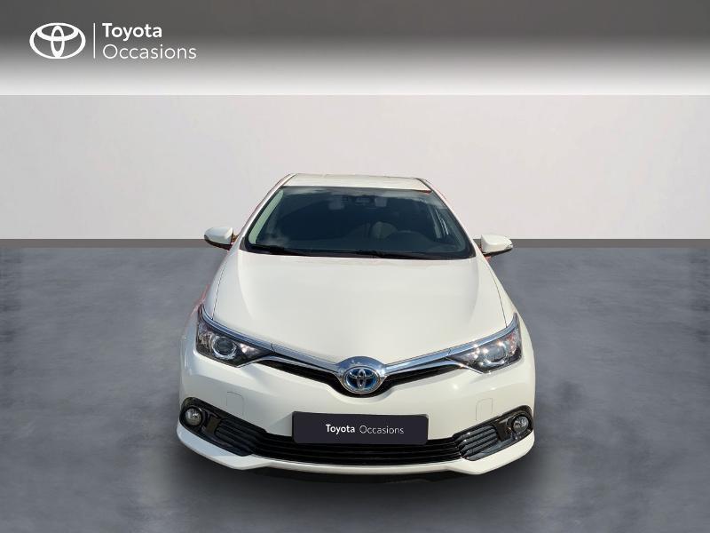 Toyota Auris HSD 136h Design RC18 Blanc occasion à Pluneret - photo n°5
