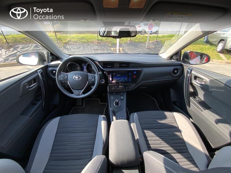 Toyota Auris HSD 136h Design RC18 Blanc occasion à Pluneret - photo n°8