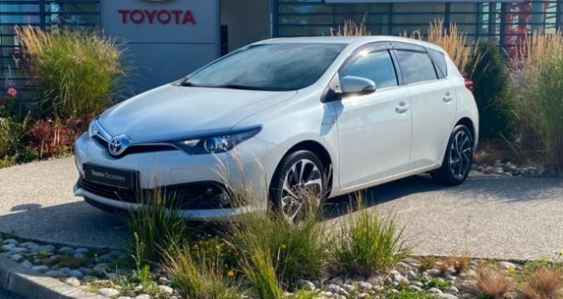 Toyota Auris HSD 136h Design Blanc occasion à Dunkerque