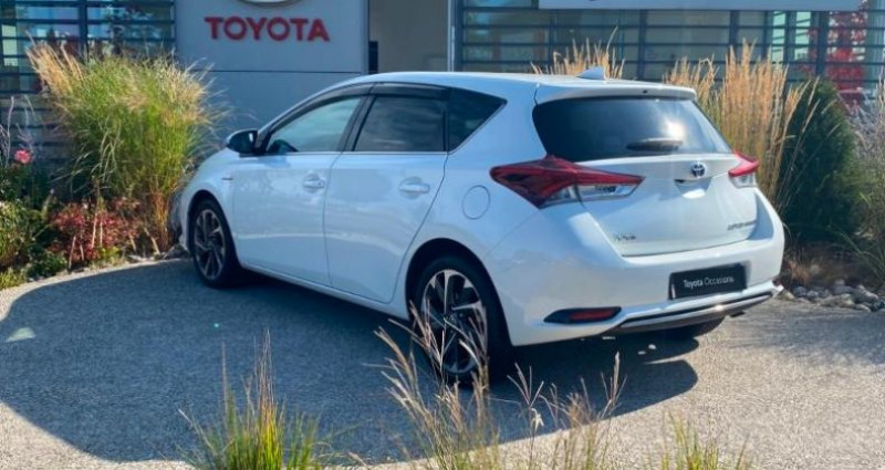 Toyota Auris HSD 136h Design Blanc occasion à Dunkerque - photo n°3