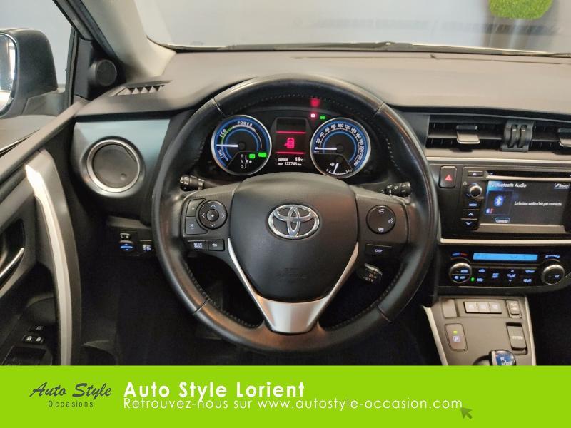 Toyota Auris HSD 136h Dynamic 15 5p Gris occasion à LANESTER - photo n°7