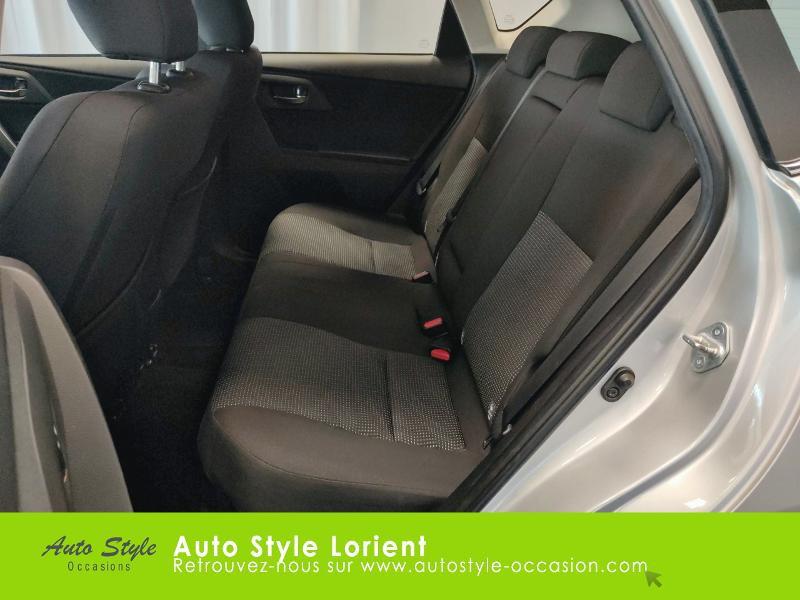 Toyota Auris HSD 136h Dynamic 15 5p Gris occasion à LANESTER - photo n°12