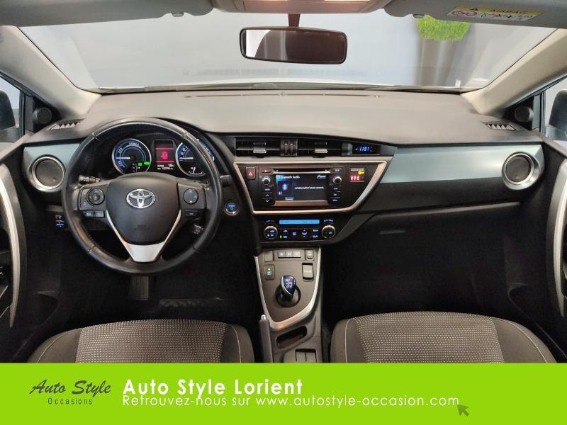 Toyota Auris HSD 136h Dynamic 15 5p Gris occasion à LANESTER - photo n°6