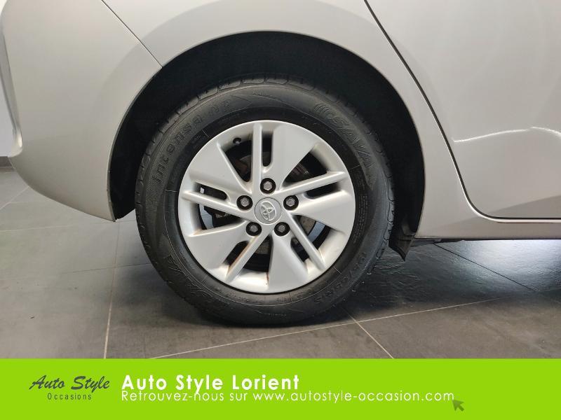 Toyota Auris HSD 136h Dynamic 15 5p Gris occasion à LANESTER - photo n°15