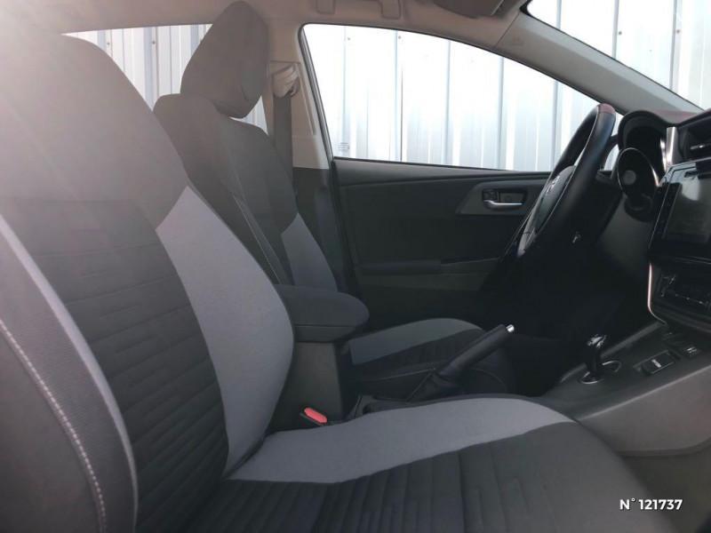 Toyota Auris HSD 136h TechnoLine RC18 Gris occasion à Saint-Maximin - photo n°16