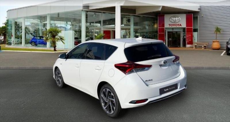 Toyota Auris HSD 136h TechnoLine Blanc occasion à Laxou - photo n°2