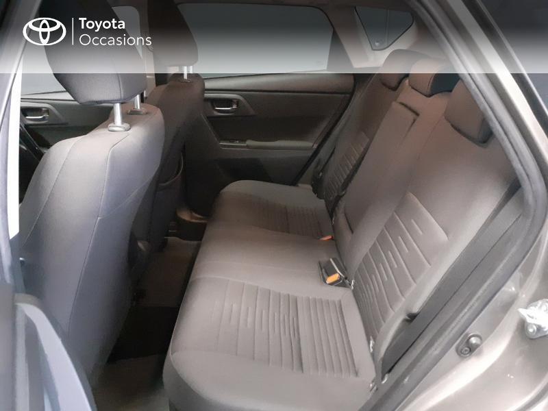 Toyota Auris HSD 136h TechnoLine Gris occasion à LANESTER - photo n°12