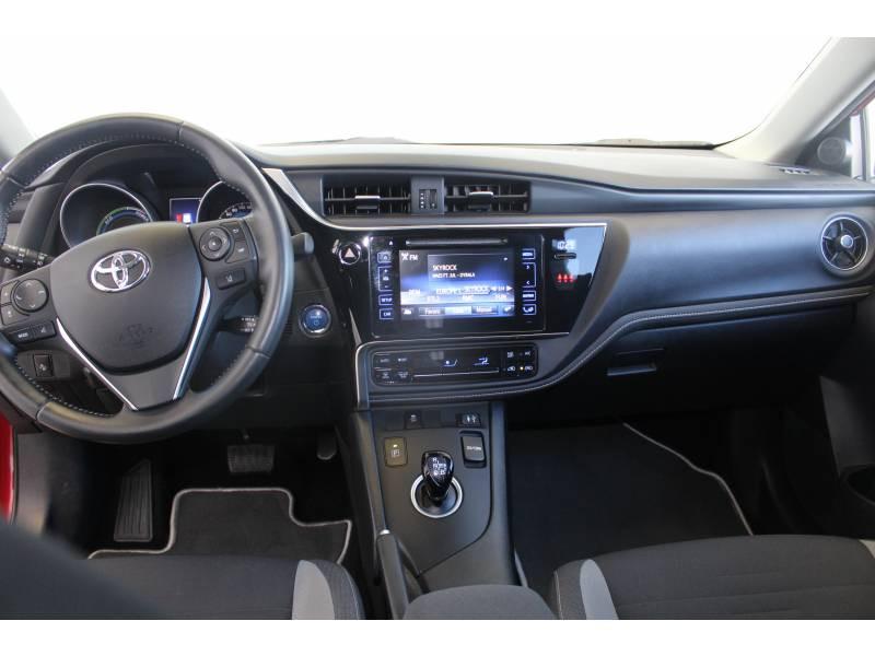 Toyota Auris Hybride 136h Design Rouge occasion à Montauban - photo n°13