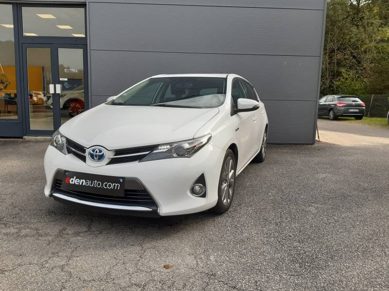 Toyota Auris Hybride 136h Dynamic  occasion à Tulle