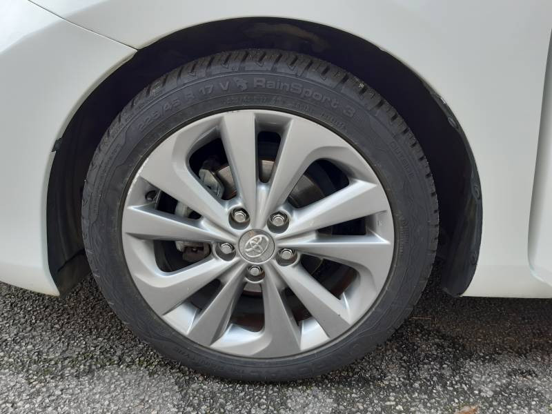 Toyota Auris Hybride 136h Dynamic  occasion à Tulle - photo n°4