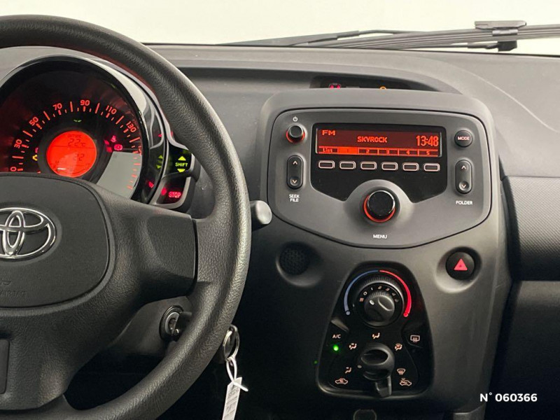 Toyota Aygo 1.0 72 VVTI XBLACK 5P Gris occasion à Rivery - photo n°11