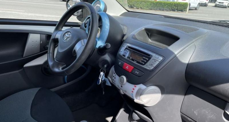 Toyota Aygo 1.0 VVT-I 68CH DYNAMIC 5P Blanc occasion à GUER - photo n°5