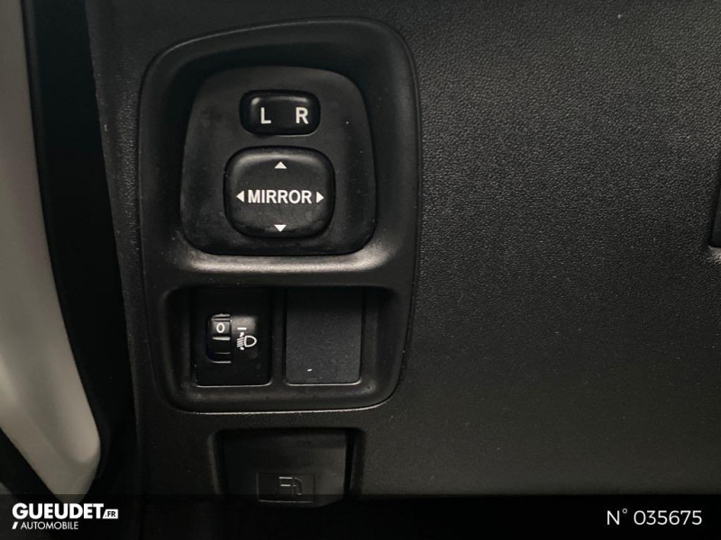 Toyota Aygo 1.0 VVT-i 69ch Rising Star x-shift 5p Blanc occasion à Abbeville - photo n°15
