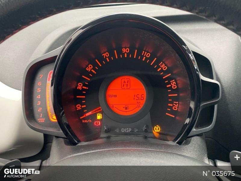Toyota Aygo 1.0 VVT-i 69ch Rising Star x-shift 5p Blanc occasion à Abbeville - photo n°12