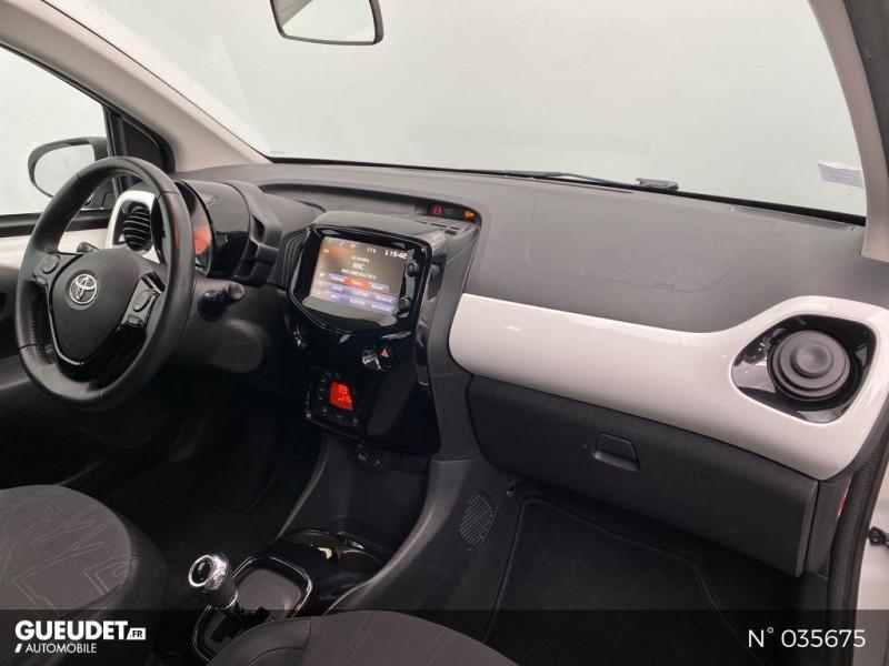 Toyota Aygo 1.0 VVT-i 69ch Rising Star x-shift 5p Blanc occasion à Abbeville - photo n°4