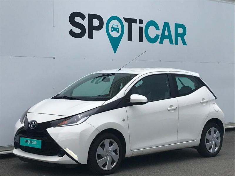 Toyota Aygo 1.0 VVT-i 69ch Stop&Start x-play 5p Blanc occasion à Lescar