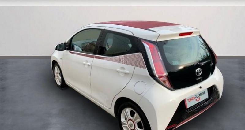 Toyota Aygo 1.0 VVT-i 69ch x-glam 5p Blanc occasion à Laxou - photo n°2