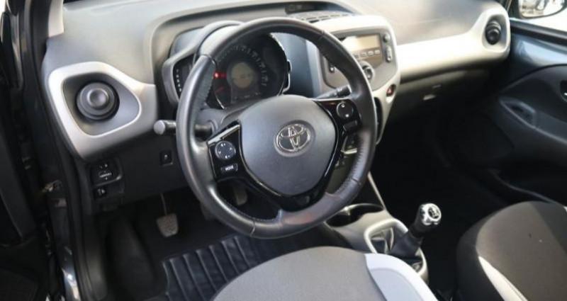 Toyota Aygo 1.0 VVT-i 69ch x-play 5p Gris occasion à Tonnay Charente - photo n°3