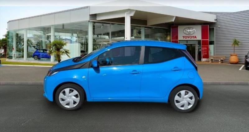 Toyota Aygo 1.0 VVT-i 69ch x-play 5p Bleu occasion à Laxou - photo n°3