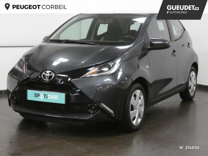 Toyota Aygo 1.0 VVT-i 69ch x-play 5p Gris occasion à Corbeil-Essonnes