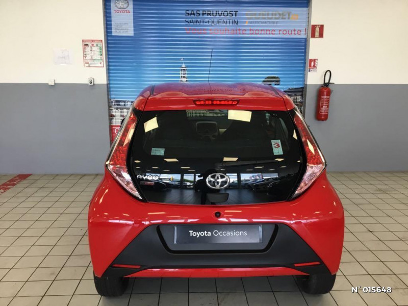 Toyota Aygo 1.0 VVT-i 69ch x-red 2018 3p Rouge occasion à Saint-Quentin - photo n°3