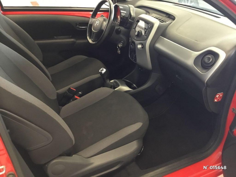 Toyota Aygo 1.0 VVT-i 69ch x-red 2018 3p Rouge occasion à Saint-Quentin - photo n°4