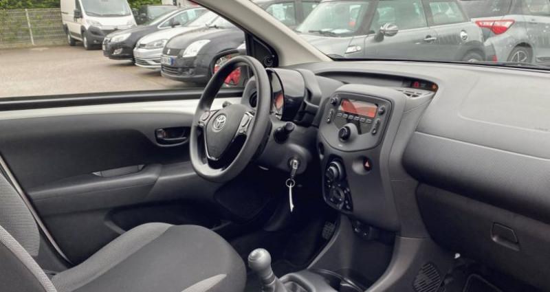 Toyota Aygo 1.0 VVT-i 72ch x 5p Blanc occasion à EPAGNY - photo n°2