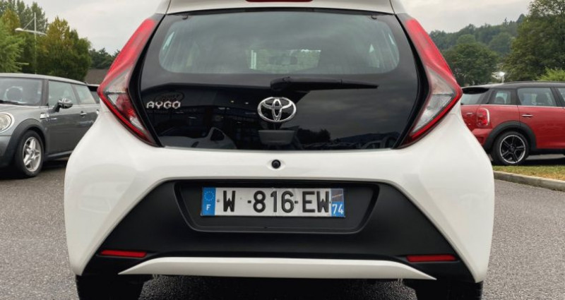 Toyota Aygo 1.0 VVT-i 72ch x 5p Blanc occasion à EPAGNY - photo n°7