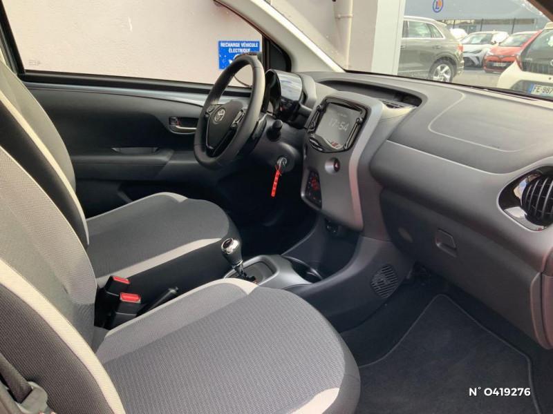 Toyota Aygo 1.0 VVT-i 72ch x-look x-shift 5p MY21 Gris occasion à Rivery - photo n°4