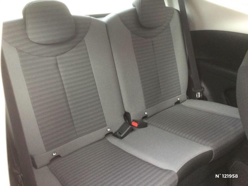 Toyota Aygo 1.0 VVT-i 72ch x-play 3p Blanc occasion à Beauvais - photo n°5