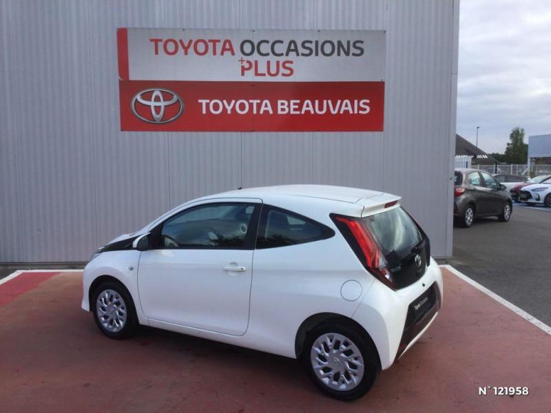 Toyota Aygo 1.0 VVT-i 72ch x-play 3p Blanc occasion à Beauvais - photo n°6