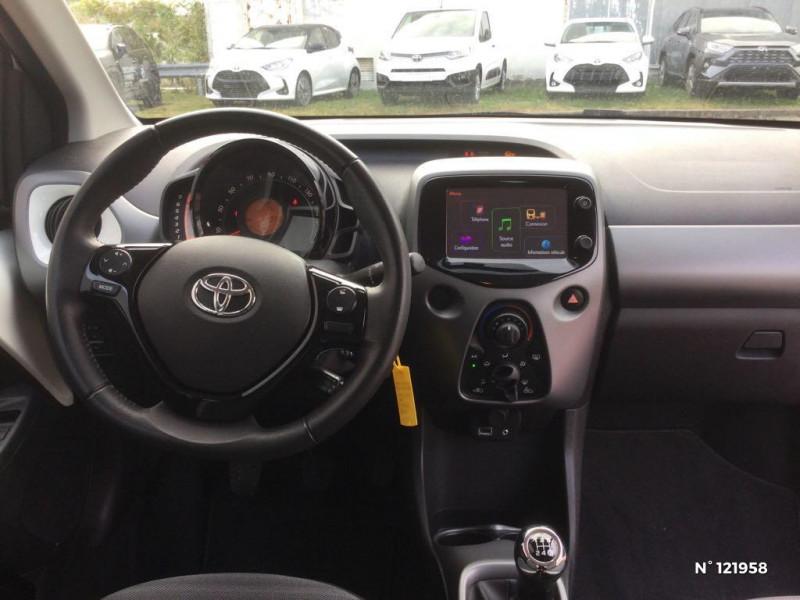 Toyota Aygo 1.0 VVT-i 72ch x-play 3p Blanc occasion à Beauvais - photo n°10