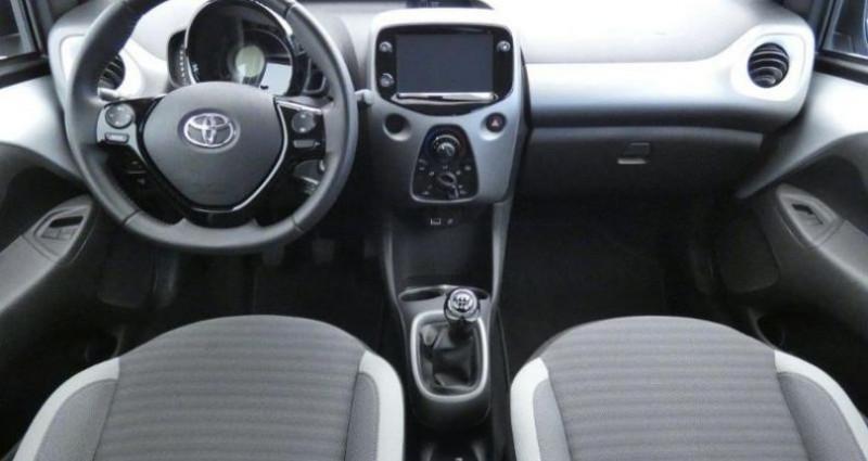 Toyota Aygo 1.0 VVT-i 72ch x-play 5p Gris occasion à Mouilleron Le Captif - photo n°4