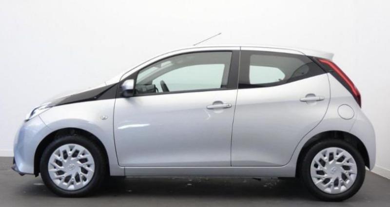 Toyota Aygo 1.0 VVT-i 72ch x-play 5p Gris occasion à Mouilleron Le Captif - photo n°2