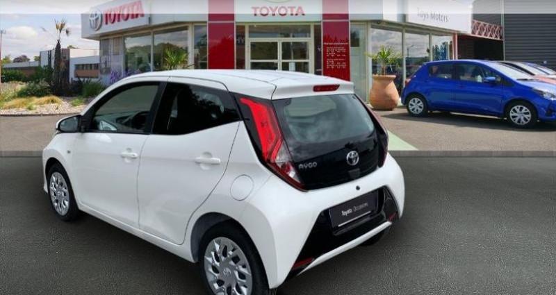 Toyota Aygo 1.0 VVT-i 72ch x-play 5p Blanc occasion à Royan - photo n°2