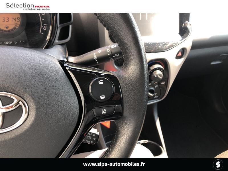 Toyota Aygo 1.0 VVT-i 72ch x-play 5p Gris occasion à Le Bouscat - photo n°17