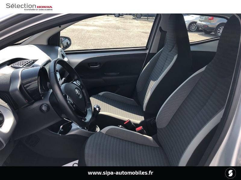 Toyota Aygo 1.0 VVT-i 72ch x-play 5p Gris occasion à Le Bouscat - photo n°9