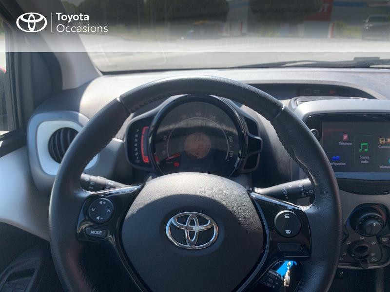 Toyota Aygo 1.0 VVT-i 72ch x-play x-app 5p MC18 Blanc occasion à CASTRES - photo n°13
