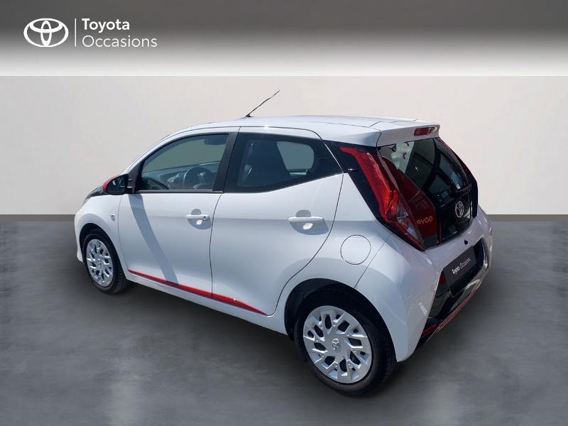 Toyota Aygo 1.0 VVT-i 72ch x-play x-app 5p MC18 Blanc occasion à CASTRES - photo n°2