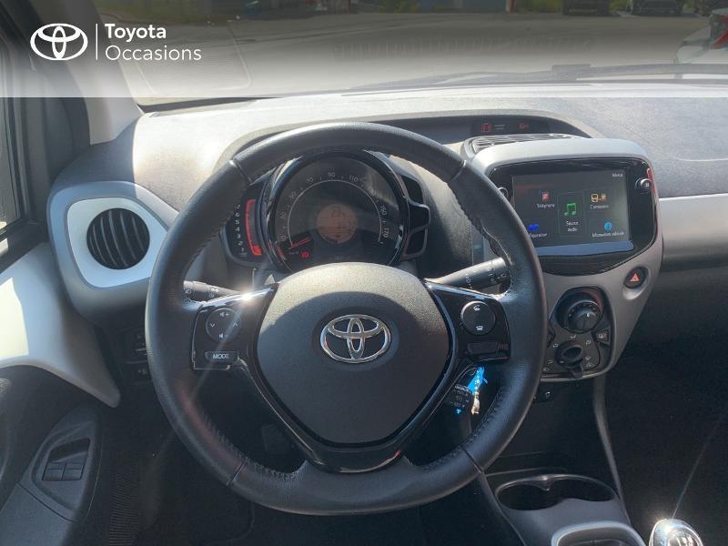 Toyota Aygo 1.0 VVT-i 72ch x-play x-app 5p MC18 Blanc occasion à CASTRES - photo n°9