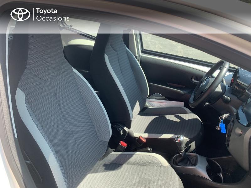 Toyota Aygo 1.0 VVT-i 72ch x-play x-app 5p MC18 Blanc occasion à CASTRES - photo n°6