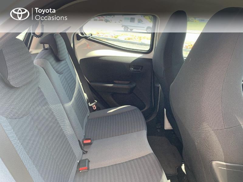 Toyota Aygo 1.0 VVT-i 72ch x-play x-app 5p MC18 Blanc occasion à CASTRES - photo n°7