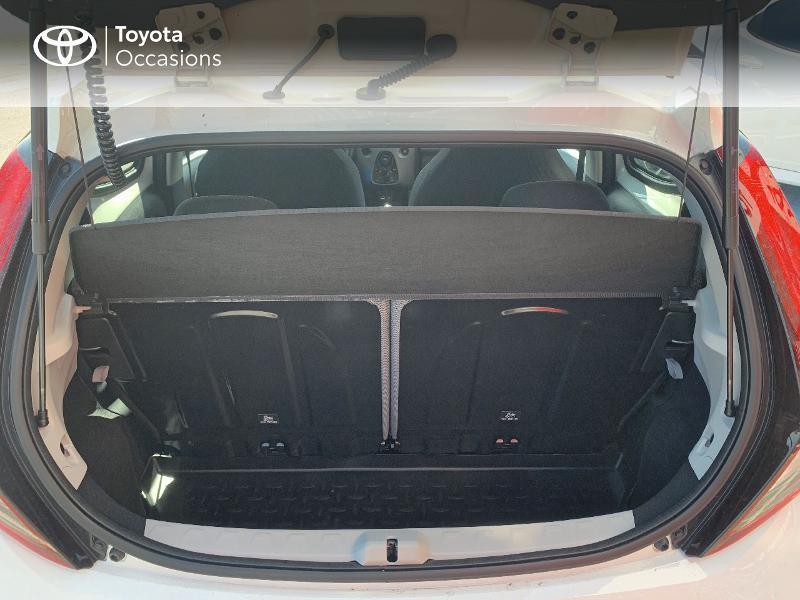 Toyota Aygo 1.0 VVT-i 72ch x-play x-app 5p MC18 Blanc occasion à CASTRES - photo n°10