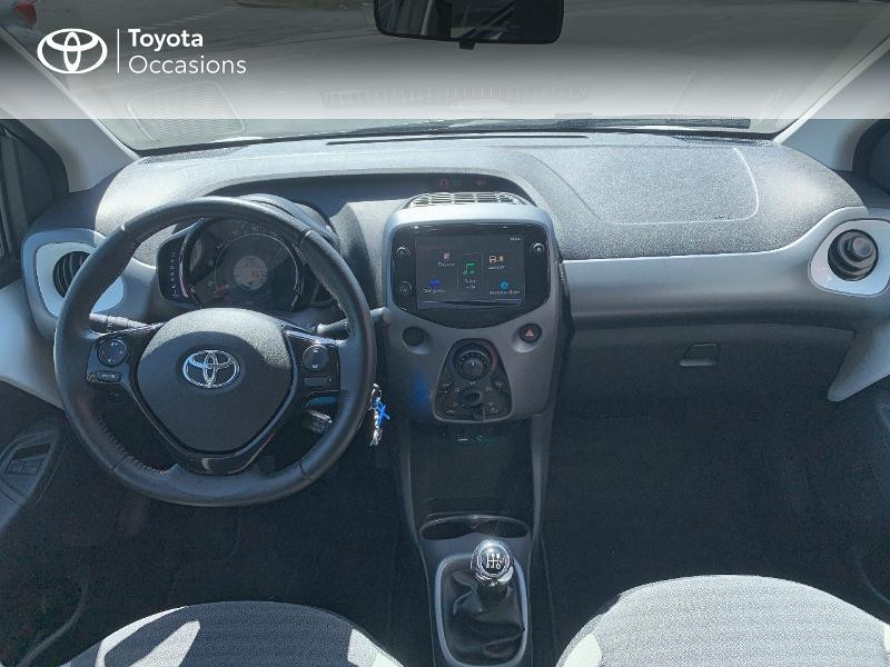 Toyota Aygo 1.0 VVT-i 72ch x-play x-app 5p MC18 Blanc occasion à CASTRES - photo n°8